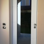 Porta blindata vetrata, classe 3, Uw 1,4 idonea per recupero energetico