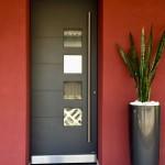 Porta-ingresso-in-alluminio-con-maniglione-a-led-trasmittanza-termica-Ud0.91-W-m2K